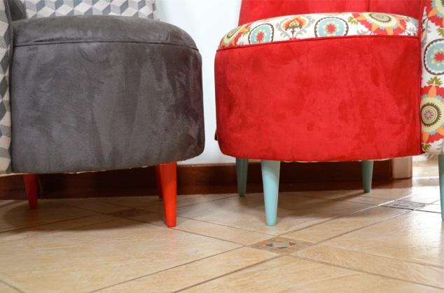 Com seus pés-palito da @avoqueria (beijo, amiga!) pintados de laca sem compressor...