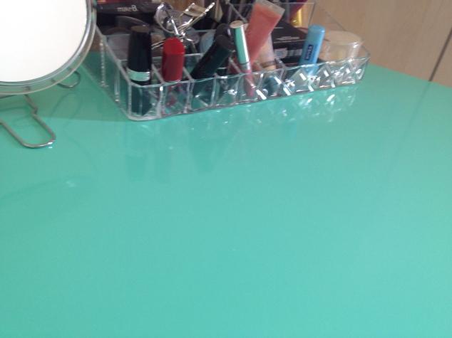 ficamos impressionadas em como o adesivo brilhante parece laca... Vocês também acharam?