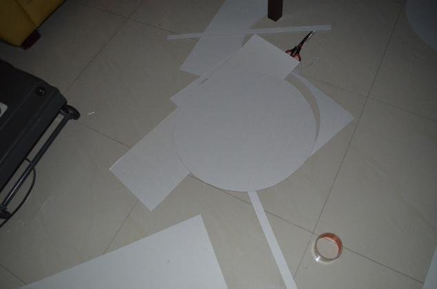 desenhe e recorte no papelão os pedaços da caixa