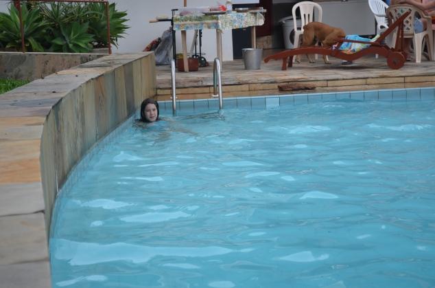 Começando por fora... A piscina!