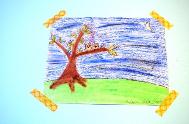 Quando aPenélope me viu pregando tudo, ofereceu um desenho de coruja feito por ela pro quarto novo da irmã! <3  ( É pra matar uma mãe de amor ou não?!)