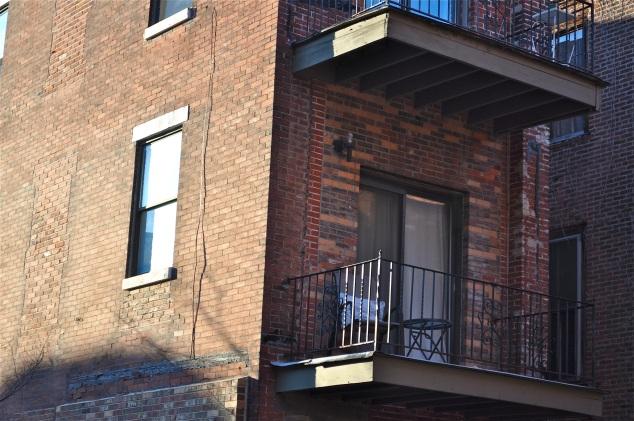 detalhe do mesmo prédio no andar de cima.
