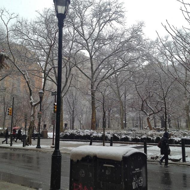 Ritenhouse; praça linda em frente à Anthro. Mais linda ainda com neve.