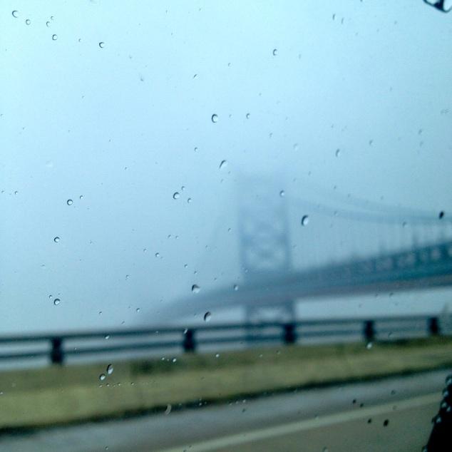Ponte, de dentro do carro. Sim, houve dias de frio de doer.