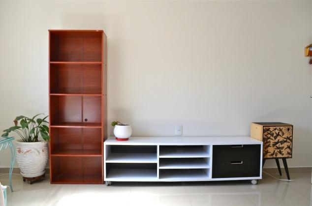 o rack tá quase pronto… Faltam as gavetas, além do nicho e da estante.