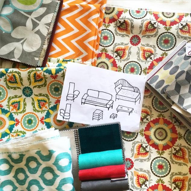 Os tecidos finalistas e um desenho tosco de tudo que ia ser feito com qual estampa...